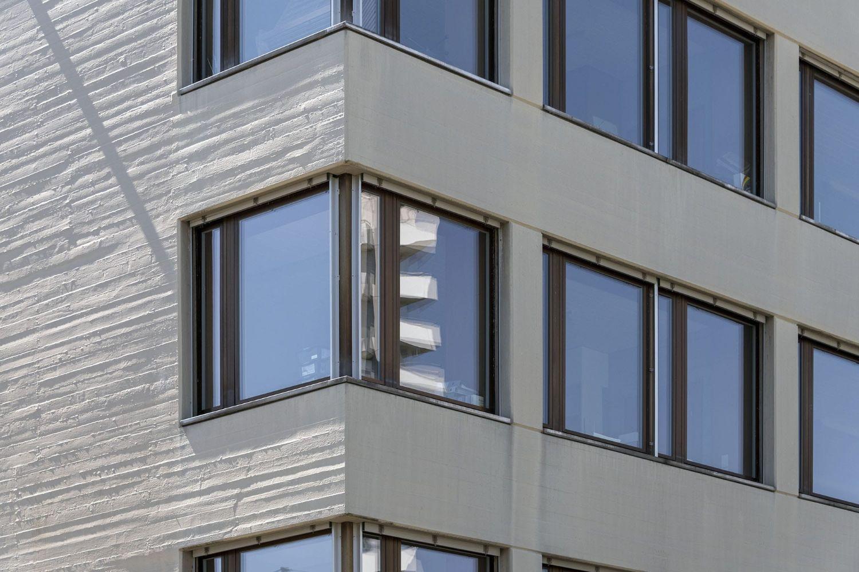 Nahaufnahme Fenster Sekundaschule Rheinpark